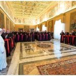 Papa francisco pede renovação no anúncio do Evangelho