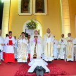 Ordenação Diaconal de Fábio Júnior Reúne Centenas de Fiéis na Praça da Catedral de Salgueiro