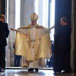 Papa abre a Porta Santa; começa o Jubileu da Misericórdia